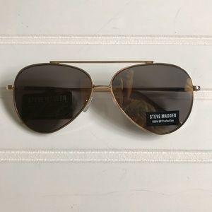 NWT Steve Madden Aviator Mirrored Sunglasses.